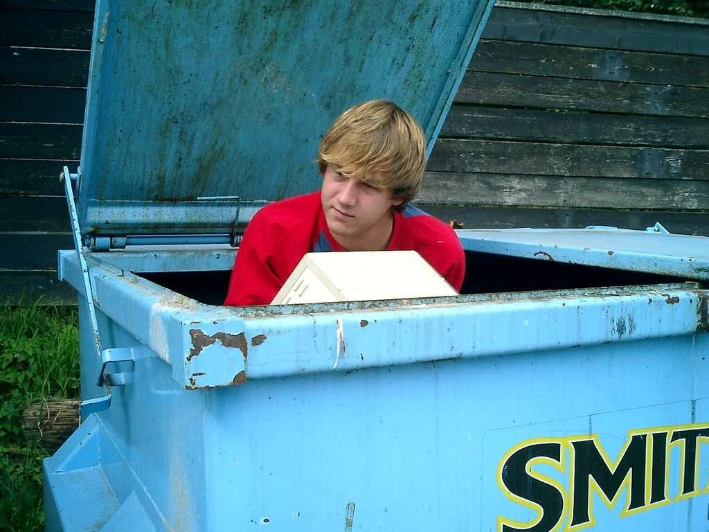 ulta or gamestop dumpster diving for food